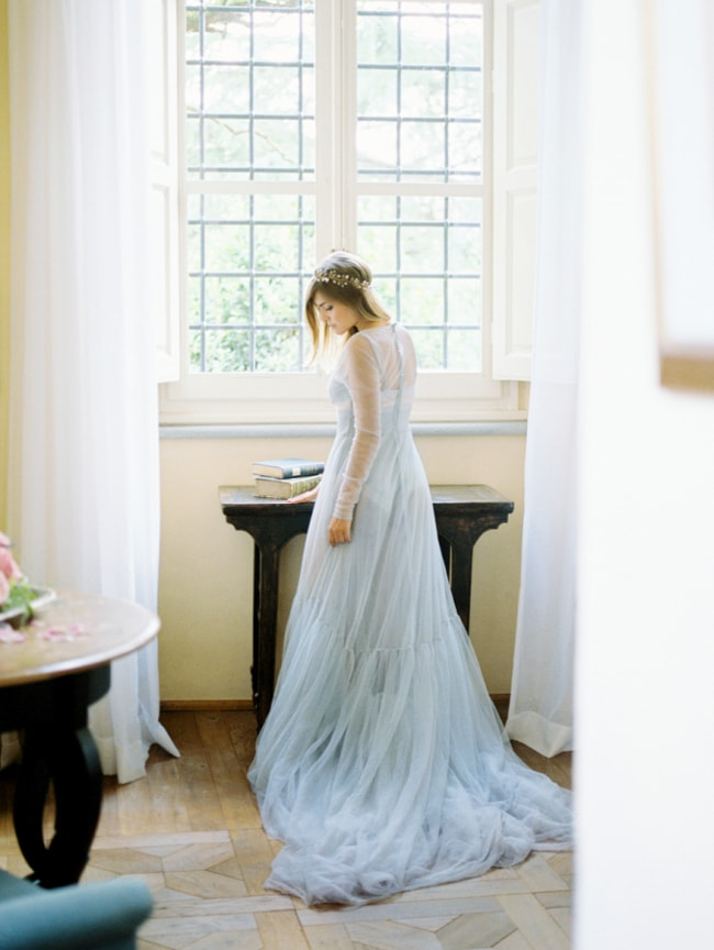 blue-wedding-dresses-2-min.jpg