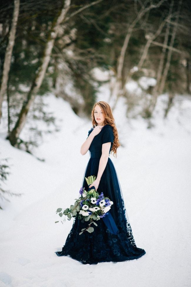 blue-wedding-dresses-4-min.jpg
