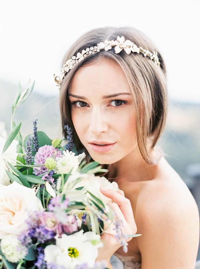 bridal-headbands-and-hairstyles-2-min.jpg