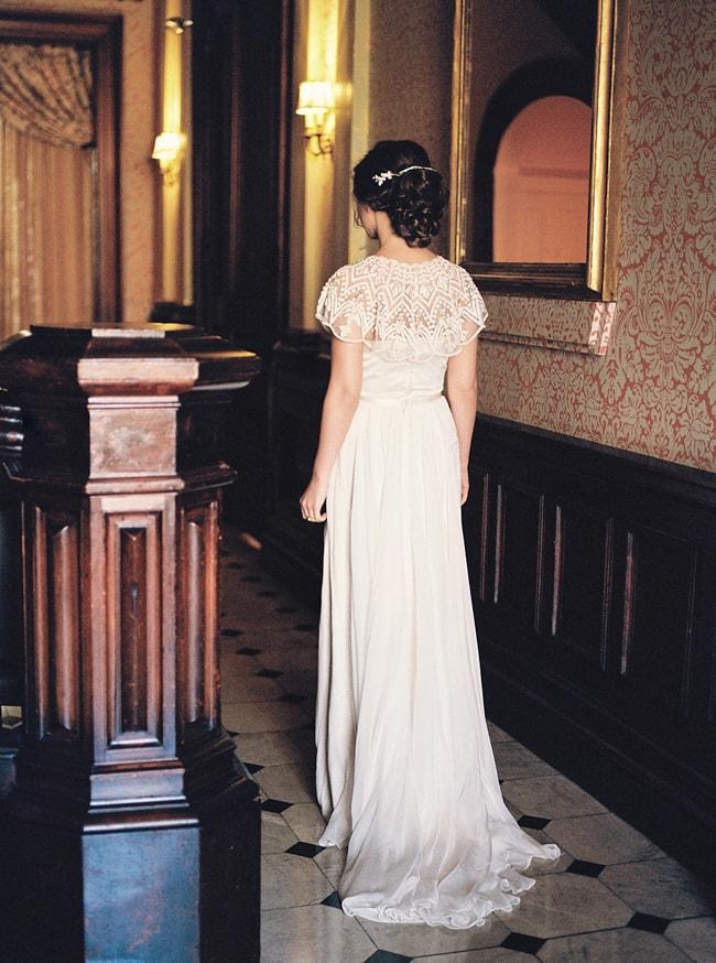minaree-finery-bridal-capelets_-8-min.jpg