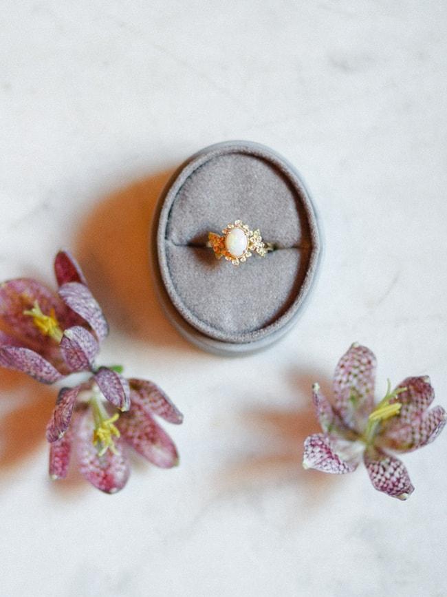 minaree-finery-bridal-capelets_-min.jpg