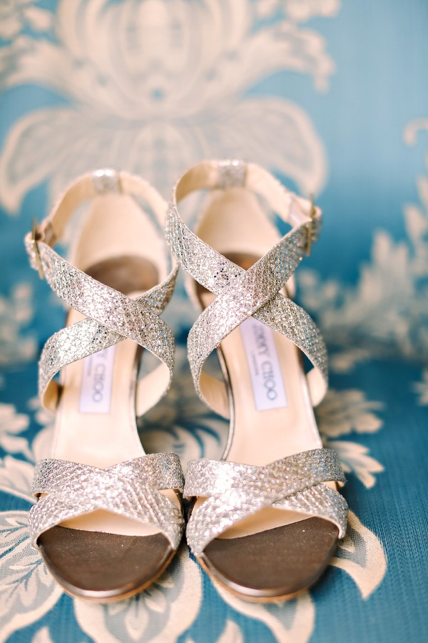 silver-wedding-shoes-idea-for-the-bride-4.jpg