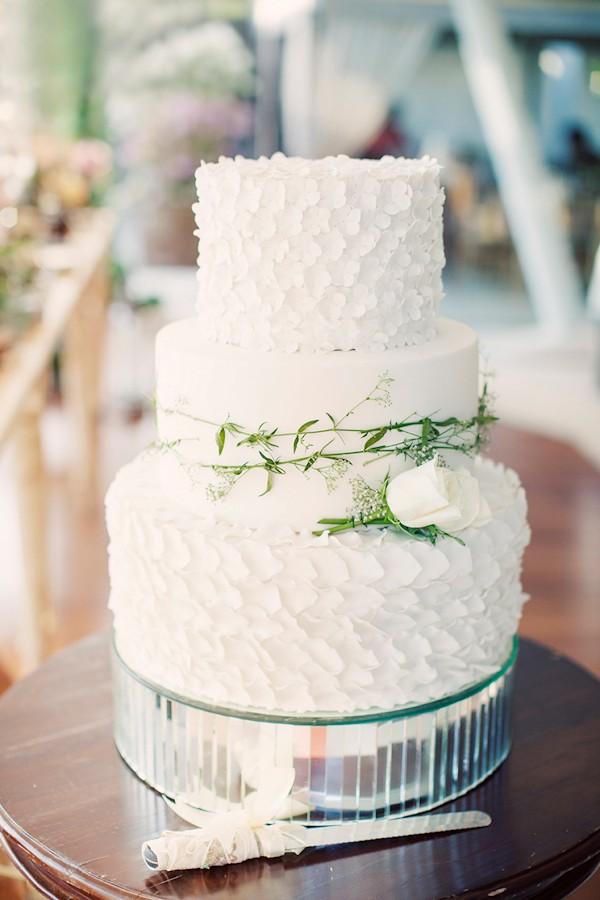 petal-organic-wedding-cake.jpg