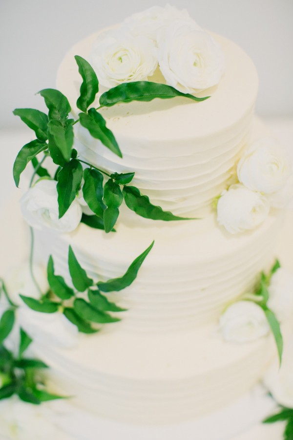 three-tier-white-organic-wedding-cake-2.jpg