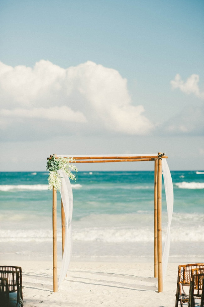 beach-wedding-arches-and-arbors-trendy-bride-3-min.jpg