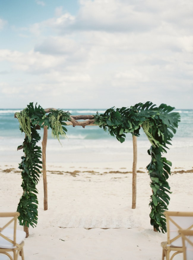 beach-wedding-arches-and-arbors-trendy-bride-4-min.jpg
