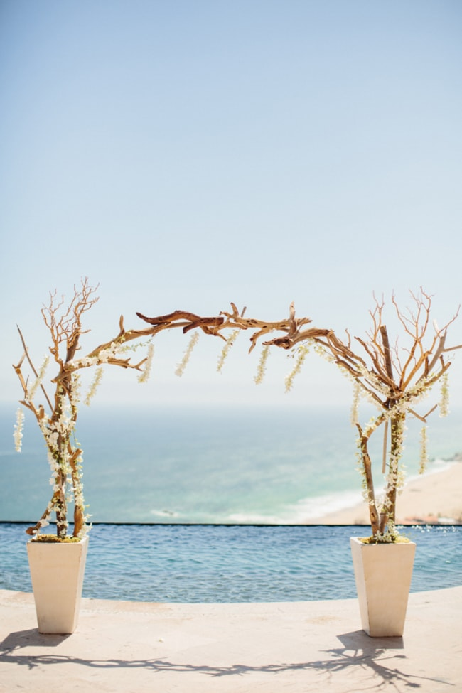 beach-wedding-arches-and-arbors-trendy-bride-min.jpg