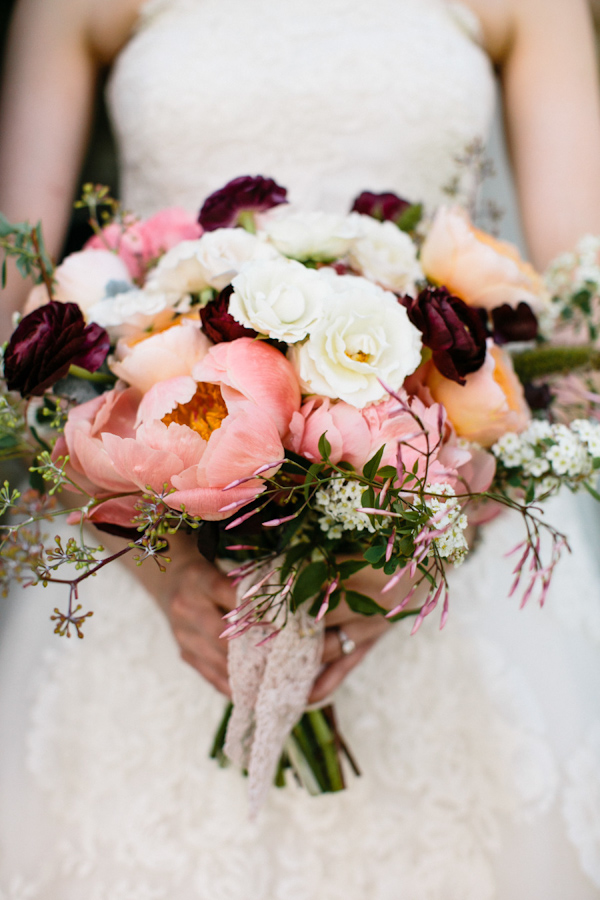 fall-peony-bouquets-for-brides-6.jpg