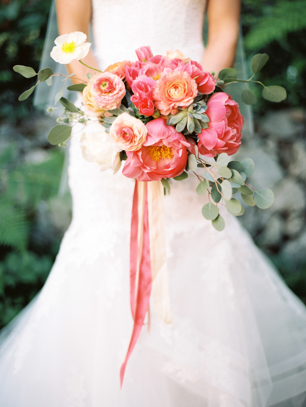 peony-bouquets-for-brides-3.jpg