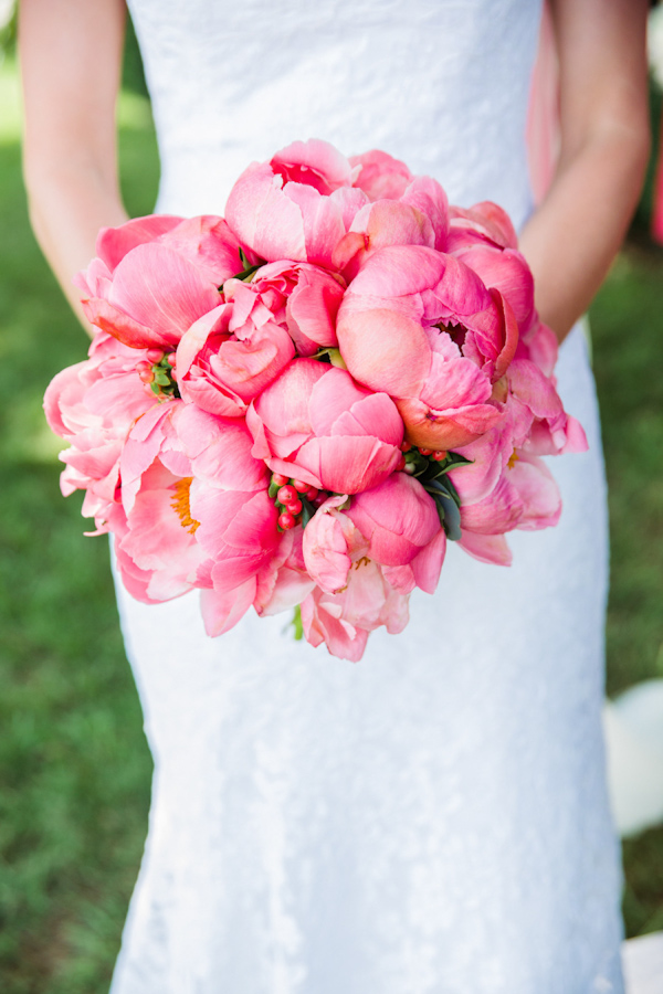 pink-peony-bouquets-for-brides-8.jpg