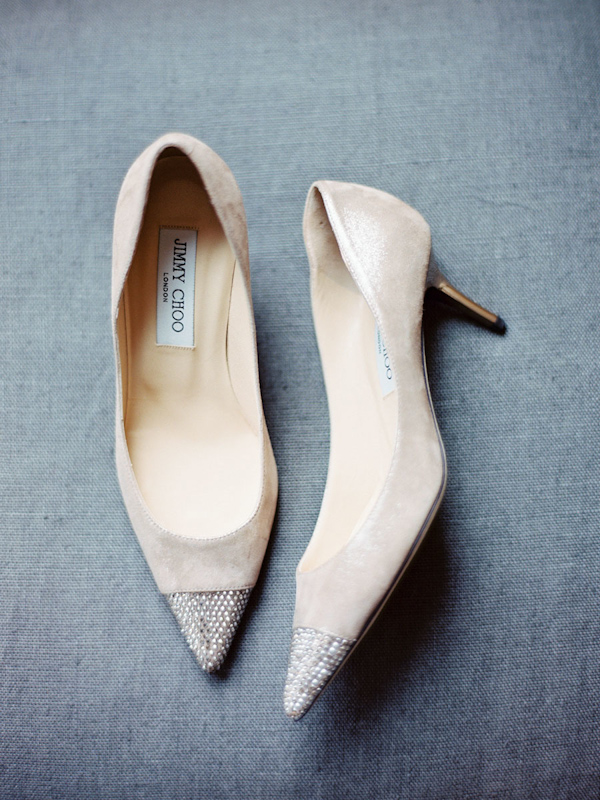 pointy-heels-idea-for-the-bride-2.jpg