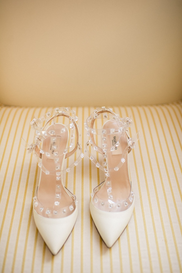 pointy-heels-idea-for-the-bride-5.jpg