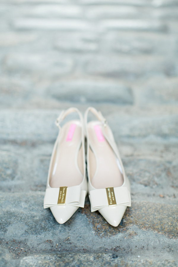pointy-heels-idea-for-the-bride-6.jpg