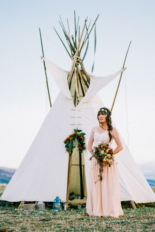 native-american-wedding-shoot-featured-in-tb-magazine-11.jpg