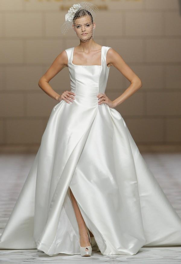 Pronovias Spring 2015 Wedding Dresses — Trendy Bride - Fine Art ...