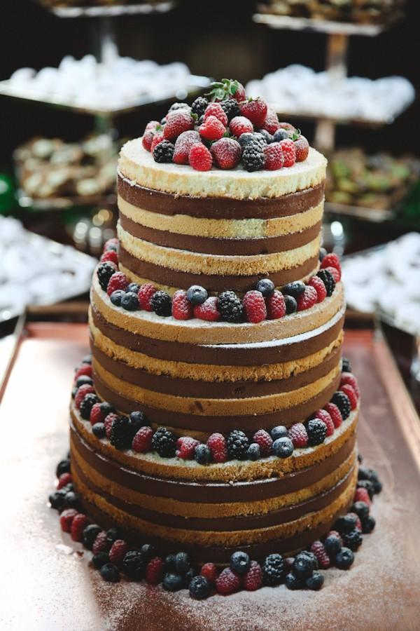 trendy-naked-wedding-cakes-for-fall-brides-6.jpg