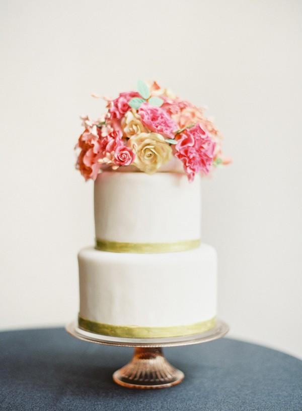 organic-wedding-cake-with-pink-sugar-flowers.jpg