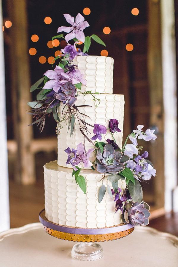 purple-and-white-wedding-cake.jpg