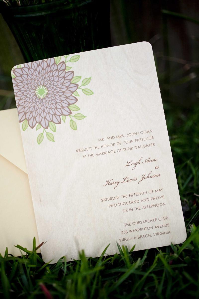 wood-wedding-invitation-with-purple-flower-design