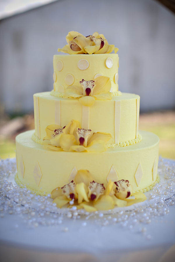 Yellow-Wedding-Cake-5.jpg