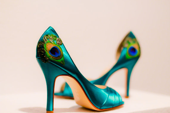 seagreen-satin-peep-toe-shoes-with-peacock-feathers.jpg