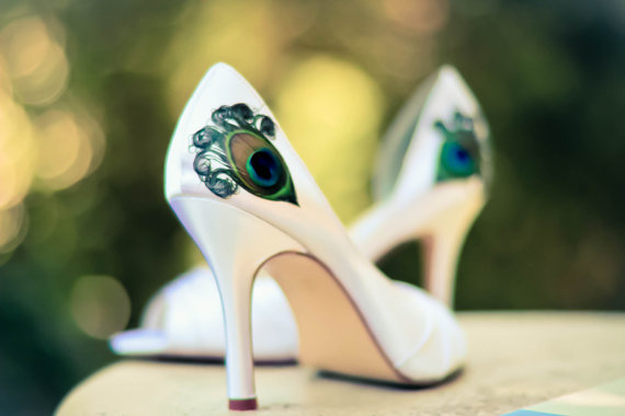 white-satin-peep-toe-shoes-with-peacock-feathers.jpg