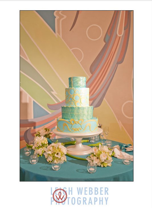 art-deco-wedding-cake-by-jim-smeal.jpg
