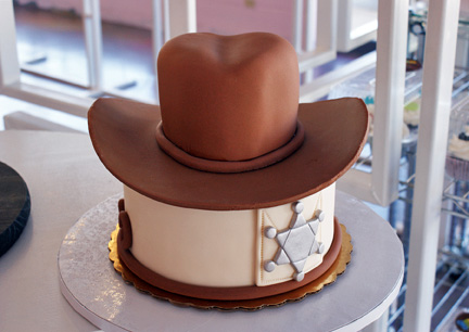 the-sheriff-grooms-cake.jpg