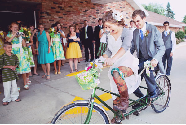 vintage-tandem-bike-wedding06.jpg