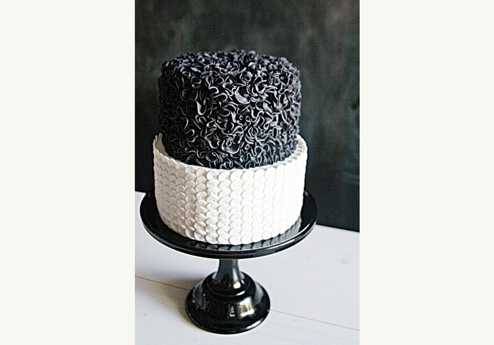 black-white-ruffles-ribbon-wedding-cake.jpg