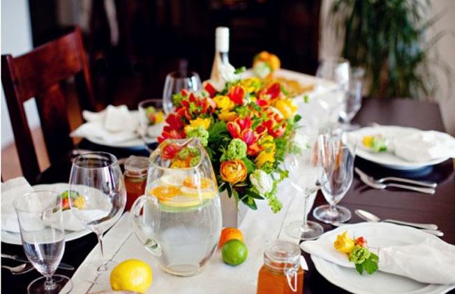 bright-summer-citrus-wedding-decor.jpg