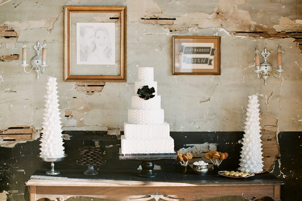 Black-Modern-Missouri-Styled-Wedding-Shoot-13