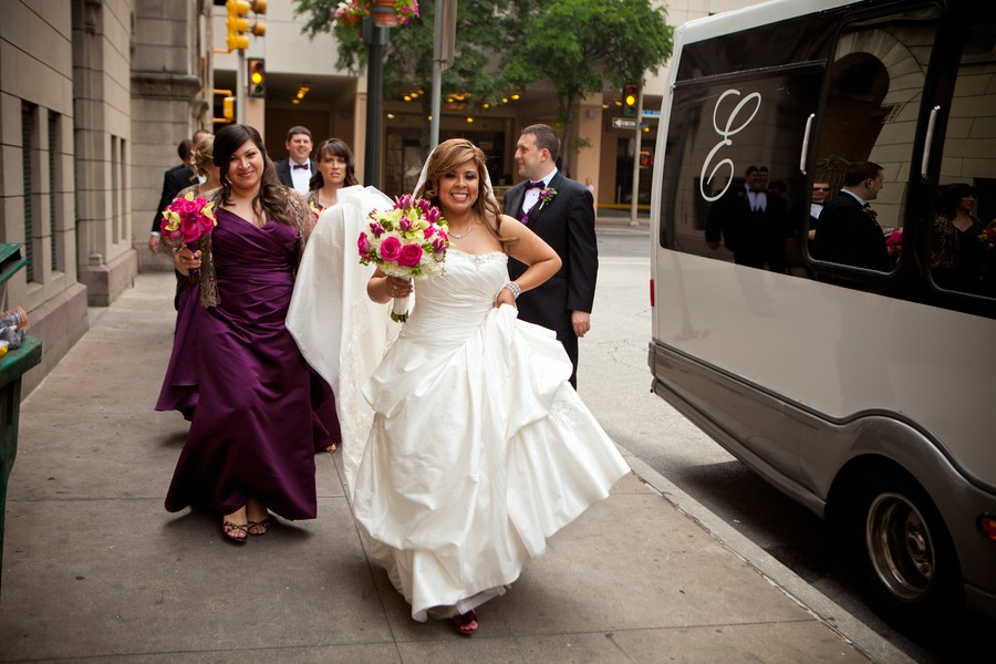 Cinco De Mayo San Antonio Texas Real Wedding — Trendy Bride - Fine ...