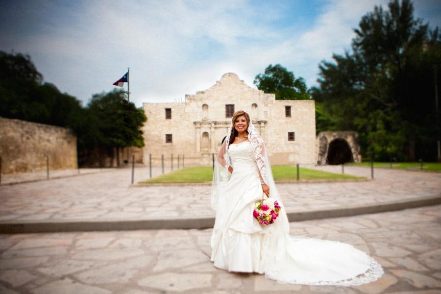 Cinco-De-Mayo-San-Antonio-Texas-Real-Wedding-Cinco-De-Mayo-San-Antonio-Texas-Real-Wedding-18