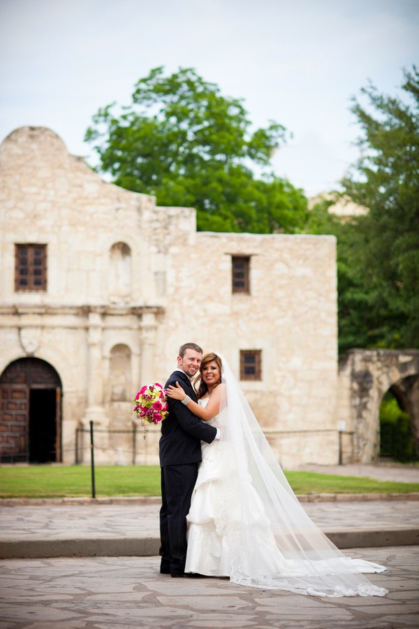 Cinco-De-Mayo-San-Antonio-Texas-Real-Wedding-Cinco-De-Mayo-San-Antonio-Texas-Real-Wedding-21