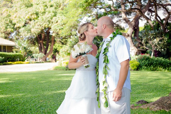 Diy-Lahaina-Hawaii-Destination-Real-Wedding-6