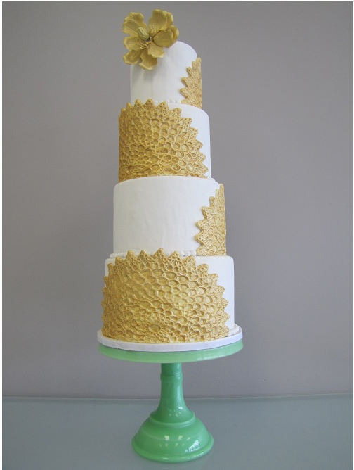 gold-and-wedding-cake.jpg