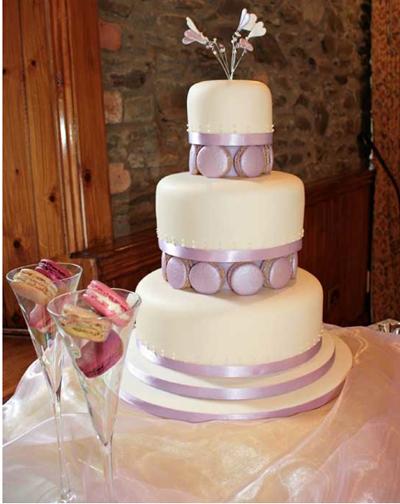 lavendar-macaroon-on-wedding-cake.jpg