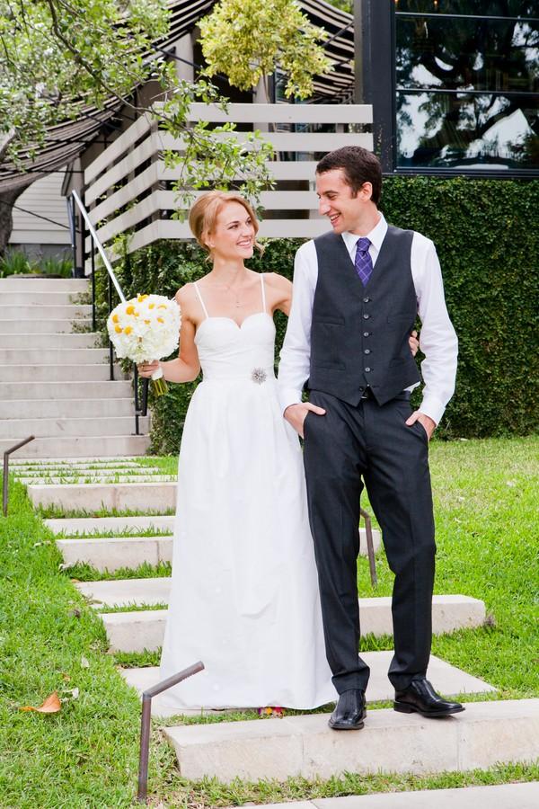 modern-colorful-austin-texas-real-wedding-13