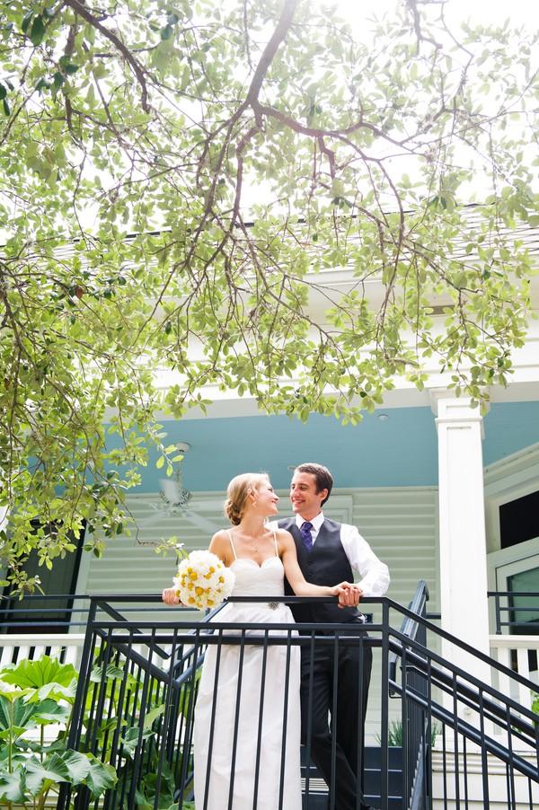 modern-colorful-austin-texas-real-wedding-17