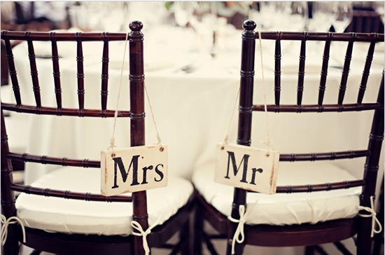 mr-and-mrs-chair-wedding-signs.jpg
