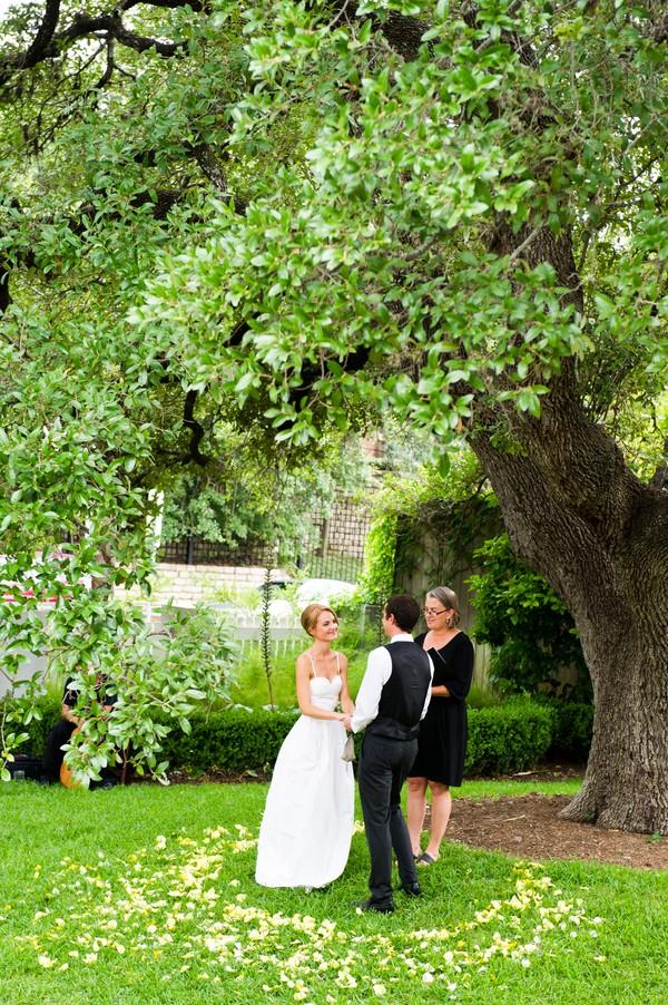 modern-colorful-austin-texas-real-wedding-30