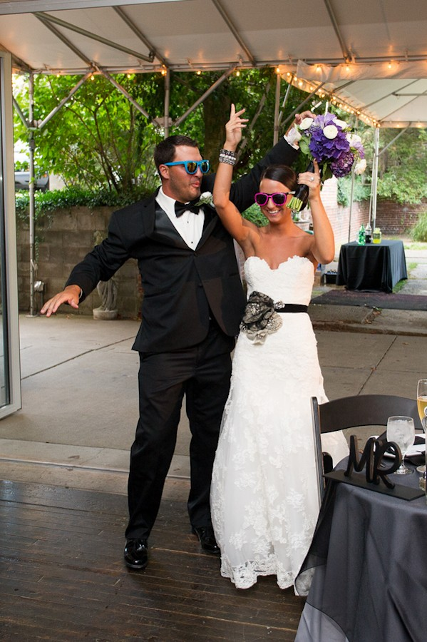 pittsburgh-pennysylvania-black-and-white-real-wedding-1-10