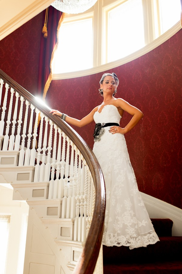 pittsburgh-pennysylvania-black-and-white-real-wedding-1-2