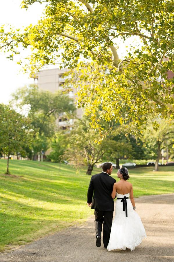pittsburgh-pennysylvania-black-and-white-real-wedding-1-7