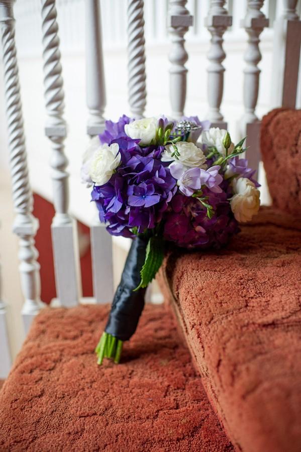 pittsburgh-pennysylvania-black-and-white-real-wedding-1