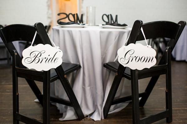 pittsburgh-pennysylvania-black-and-white-real-wedding-22
