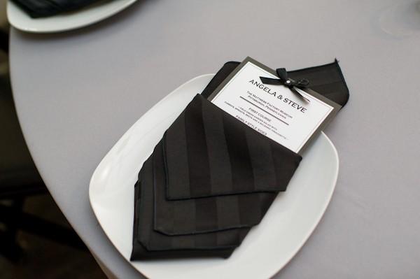 pittsburgh-pennysylvania-black-and-white-real-wedding-23