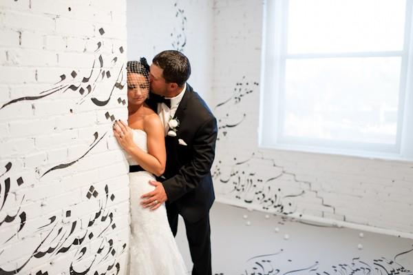 pittsburgh-pennysylvania-black-and-white-real-wedding-29