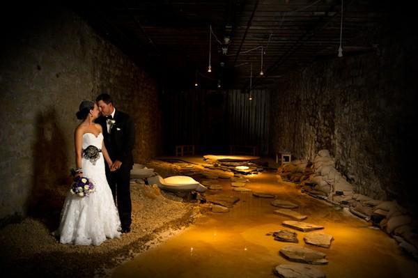 pittsburgh-pennysylvania-black-and-white-real-wedding-32